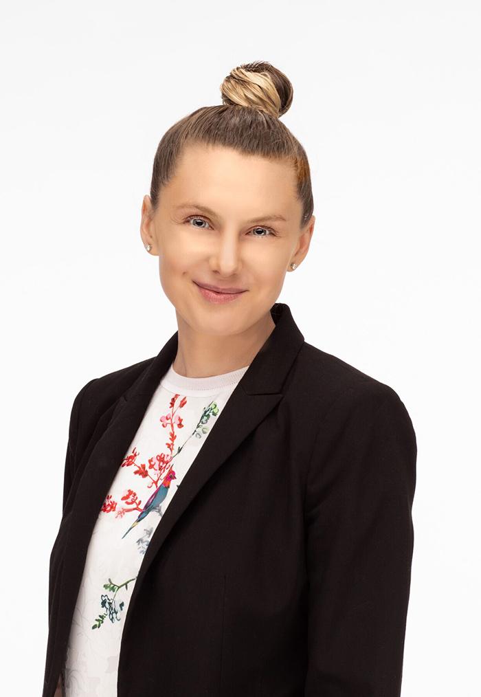 patient coordinator Jelena Weinrach